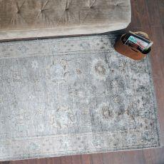 Tashi Gray 8 x 10 Rug