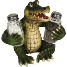 Alligator Salt & Pepper Shaker set