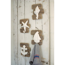 Assorted Set of Ceramic Seaside Hooks with Driftwood Frame (set of 4)