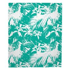 Walker's Cay - Island Getaway Aqua Fleece Throw Blanket