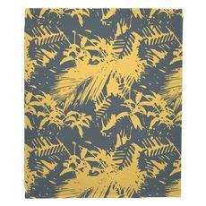 Walker's Cay - Island Getaway Gray & Yellow Fleece Throw Blanket